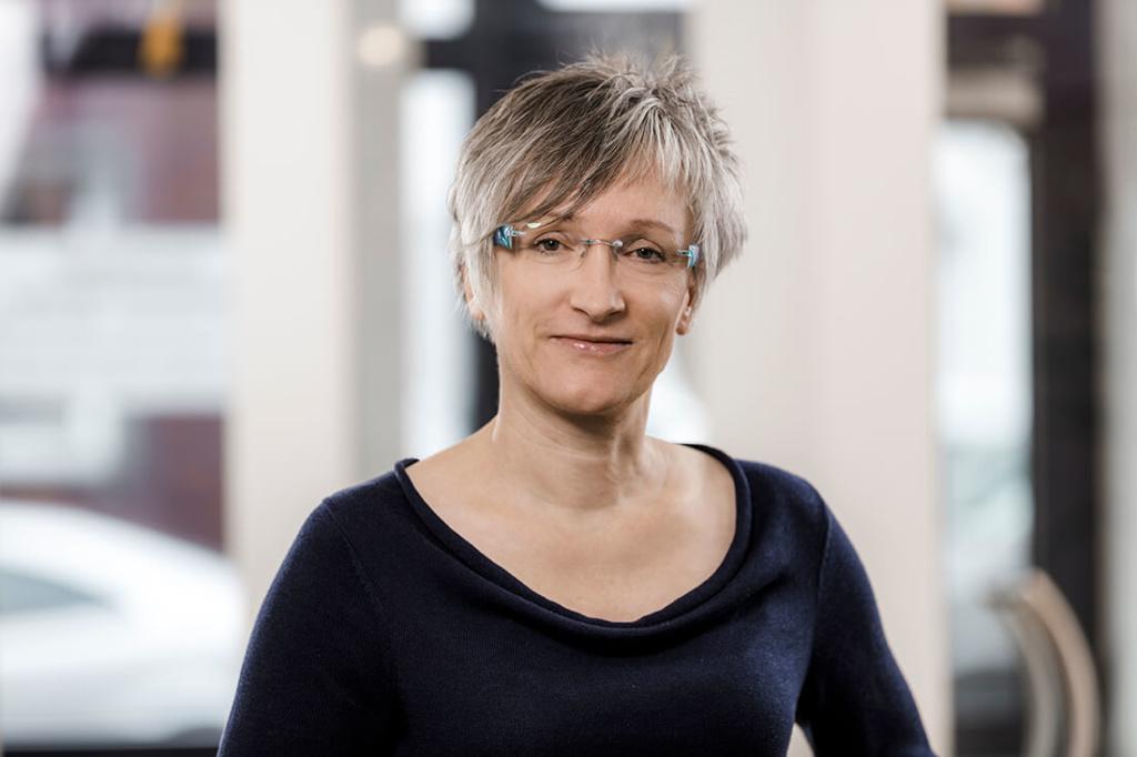 Zahnarzt Düren - Team - Portrait von Gabriele Zinn-Wolff