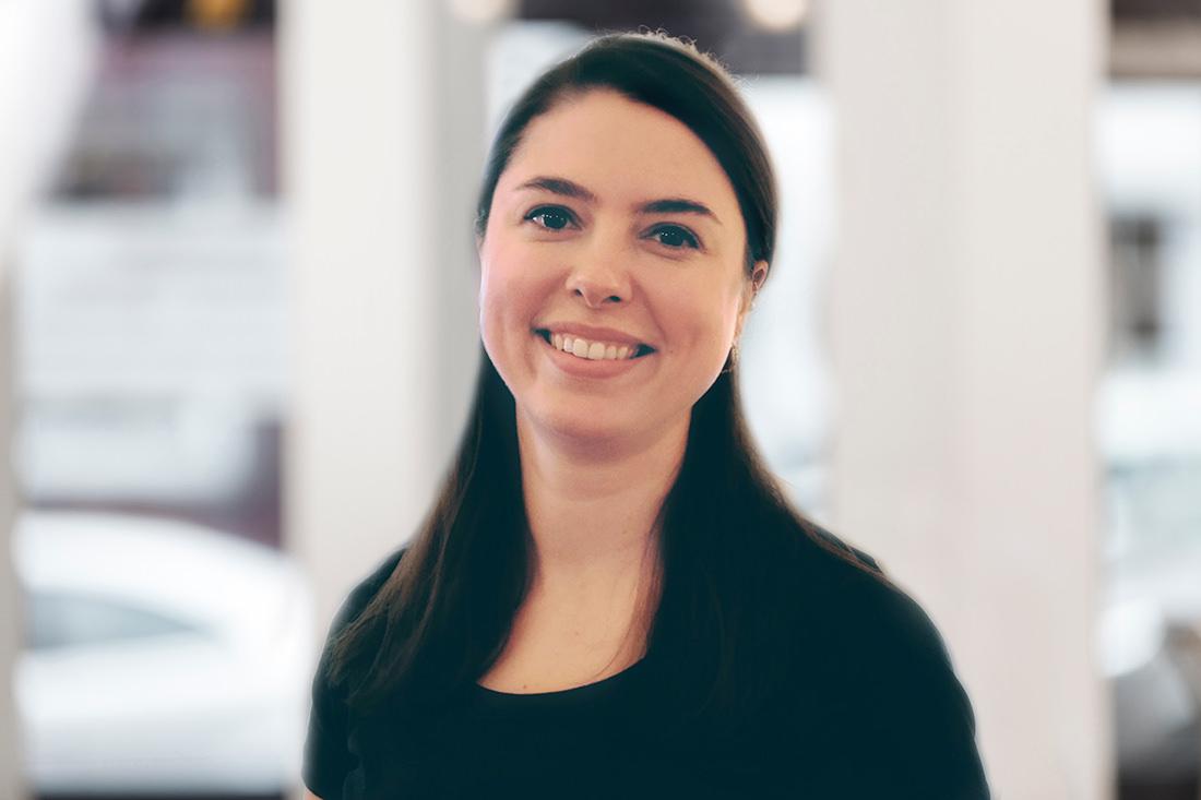 Zahnarzt Düren - Team - Portrait von Zahnärztin Jana Herbstmann